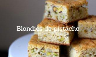 Blondie con pistachos