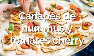 Canapés de hummus y tomates cherry asados