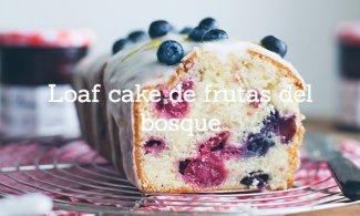 Loaf cake de frutas del bosque